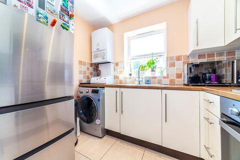 2 bedroom maisonette for sale - Pridham Road, Thornton Heath, CR7