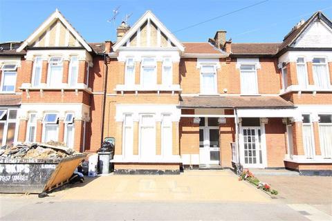 2 bedroom flat for sale - Audley Gardens, Seven Kings, Essex, IG3
