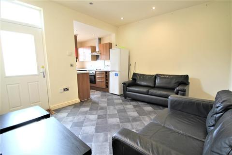 5 bedroom house share to rent - 3 Cross Chapel Street, Headingley, Leeds