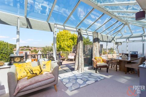 2 bedroom house for sale - Millcroft, Brighton