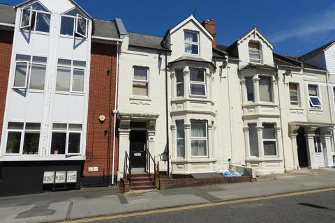 Studio to rent - Milton Road, Swindon