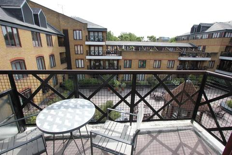 2 bedroom flat to rent - Hermitage Court, Knighten Street, Wapping