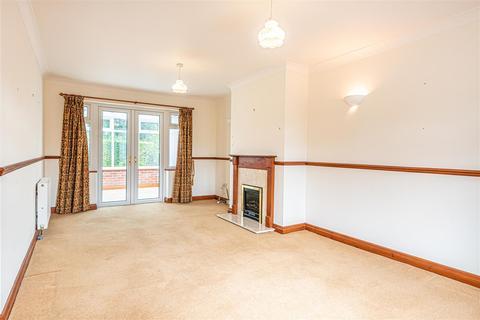 2 bedroom detached bungalow to rent - 113b Fulford RoadYork