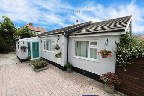3 bedroom detached bungalow for sale - Great Eastern Road, Hockley, Essex