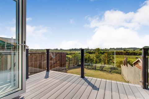 2 bedroom detached bungalow for sale - Castle View, Skipsea, Driffield, YO25 8TD