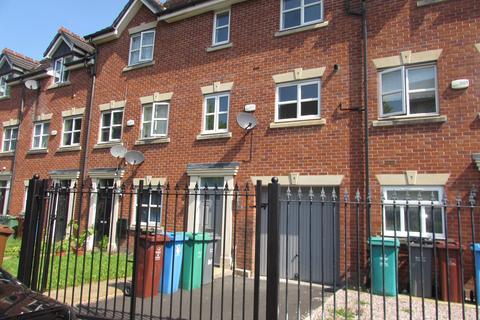 3 bedroom townhouse to rent - Haveley Road, Wythenshawe, M22 8FD