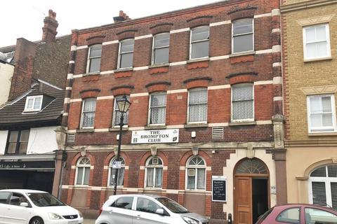 Hospitality to rent - 13-15 High Street, Brompton ME7