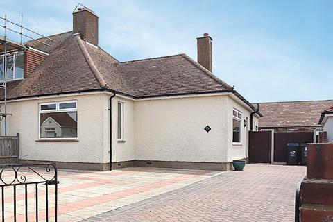 2 bedroom bungalow for sale - Dorothy Drive, Ramsgate, CT12