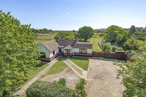 4 bedroom detached bungalow for sale - Pudsey Hall Lane, Canewdon