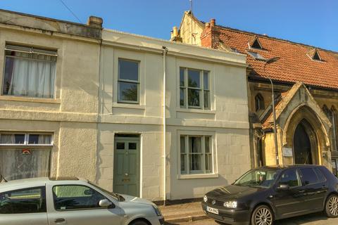 3 bedroom terraced house for sale - Denmark Road, Oldfield Park, Bath