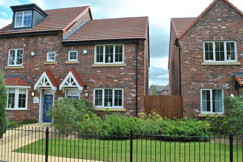 3 bedroom semi-detached house for sale - Woodford Grange, Winsford