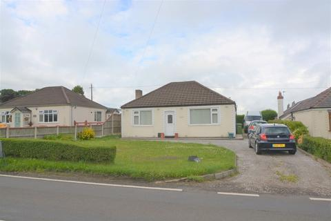 3 bedroom detached bungalow to rent - Northwich Road, Higher Whitley