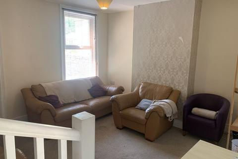 4 bedroom house to rent - Highland Road, Bath