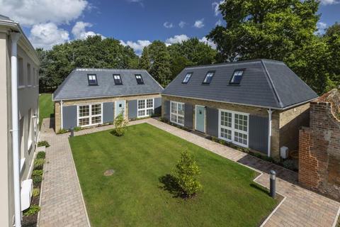 3 bedroom detached house for sale - Virginia Water, Surrey