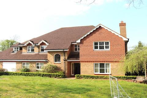 5 bedroom detached house to rent - Mayfair Avenue, Worcester Park