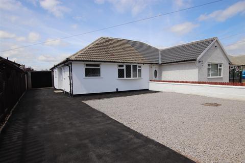 2 bedroom semi-detached bungalow for sale - Kings Road, Bradford