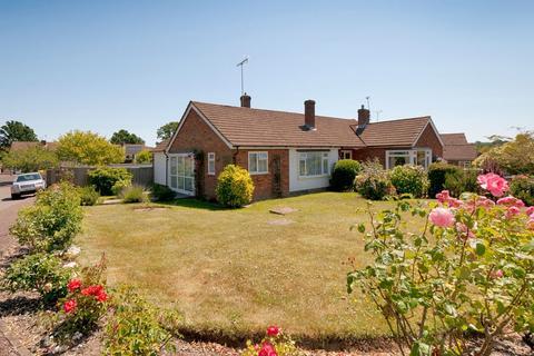 2 bedroom semi-detached house - Oatfield Drive,  Cranbrook, TN17