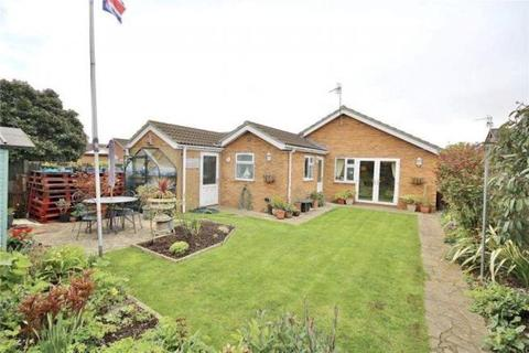 3 bedroom detached bungalow for sale - Marigold Close, LN2