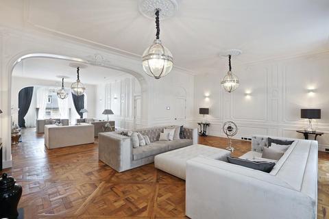 12 bedroom detached house to rent - Upper Grosvenor Street, Mayfair, London, W1K.