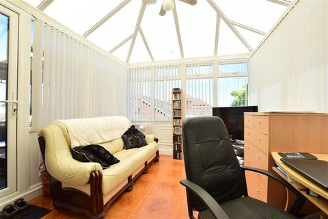 3 bedroom detached bungalow for sale - Waverley Avenue, Minster On Sea, Sheerness, Kent