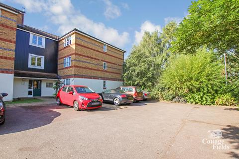 2 bedroom flat for sale - Polston Mews, Enfield, EN3 - Two Bedroom Apartment with New Lease