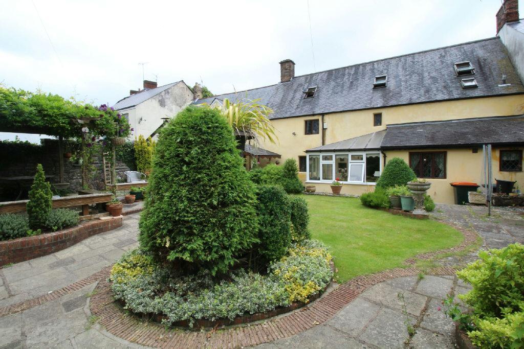 3 Bedrooms Terraced House for sale in 3 Cross Street, Caerleon, Newport