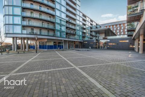 Studio for sale - Station Approach, Hayes