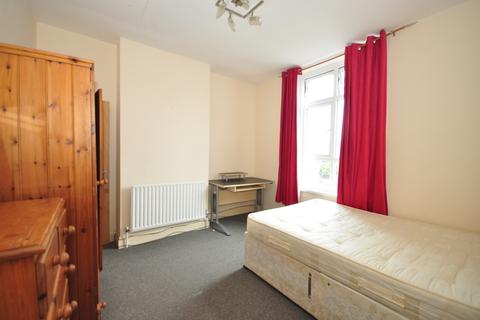 1 bedroom house share to rent - Goldsmith Avenue Southsea PO4