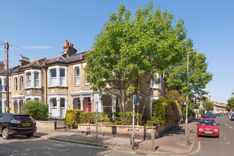 2 bedroom flat for sale - Southfields Road, London. SW18