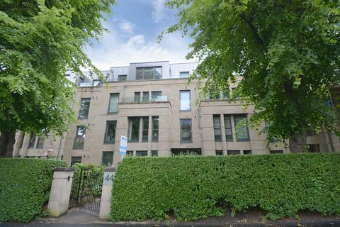 2 bedroom flat for sale - Flat 3/2, 44 Hughenden Road, G12 9UF