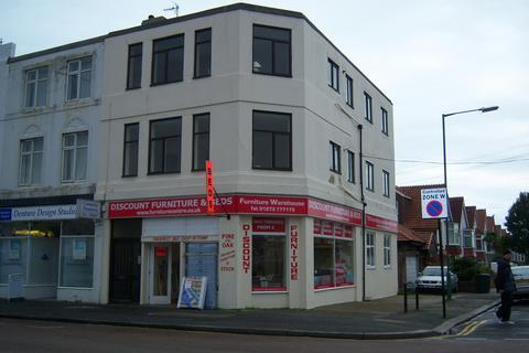 3 bedroom flat to rent - portland road BN3