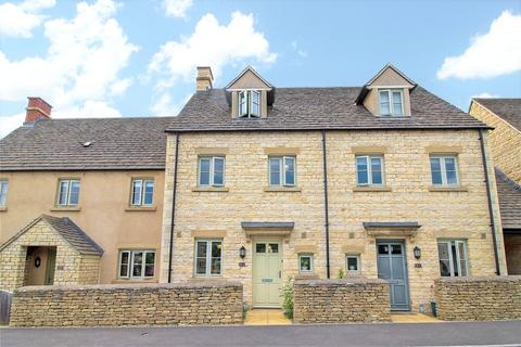 3 bedroom terraced house to rent - Moss Way, Cirencester, Glos, GL7