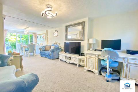 4 bedroom semi-detached house for sale - Highfield Crescent, Wigston, LE18