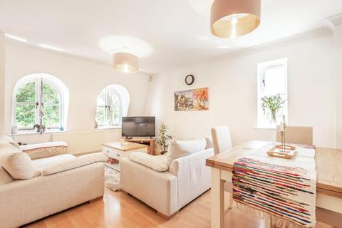 2 bedroom flat for sale - Lyham Road, Clapham