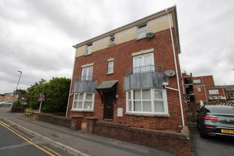 2 bedroom flat to rent - Wessex Road, Ashley Cross, Poole BH14