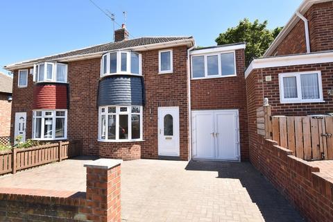 3 bedroom semi-detached house to rent - Torver Crescent, Seaburn Dene