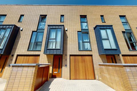 5 bedroom townhouse - Francis Street, Cardiff Pointe