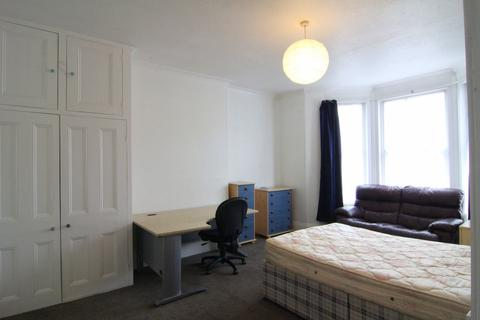 5 bedroom terraced house to rent - Alexandra Road, Mutley, Plymouth