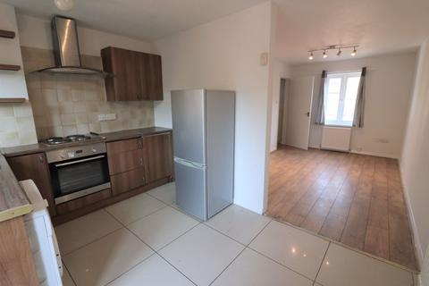 2 bedroom terraced house to rent - Teal Close, London