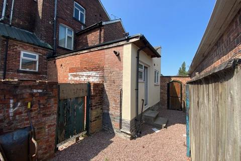 Studio to rent - Broadoak Road, Ashton-Under-Lyne
