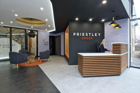 Property to rent - Elland Road, ,