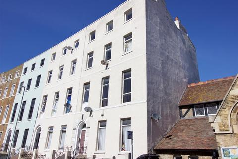 2 bedroom flat to rent - Union Crescent, Margate, Kent
