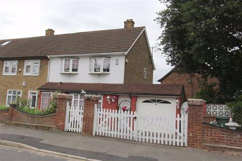 3 bedroom end of terrace house for sale - Buckrell Road, Chingford, London