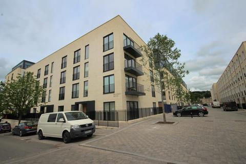 2 bedroom apartment to rent - Stothert Avenue
