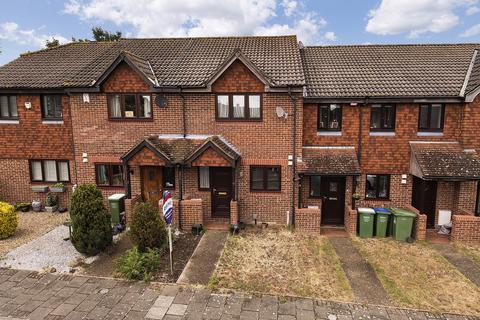 2 bedroom terraced house for sale - Charlotte Close, Bexleyheath, Kent, DA6