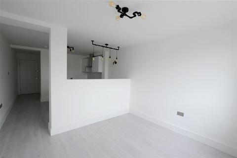 1 bedroom flat to rent - Commercial Road, Swindon
