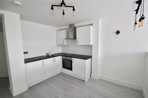 Studio to rent - Commercial Road, Swindon