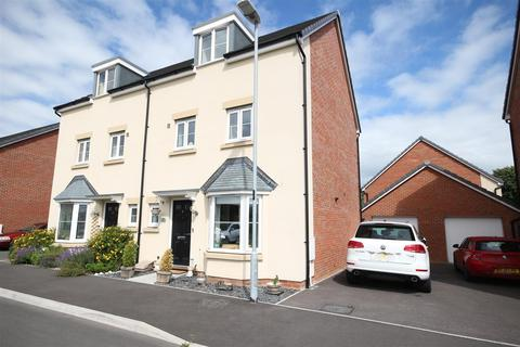 4 bedroom semi-detached house to rent - Argus Green, Upper Stratton, Swindon