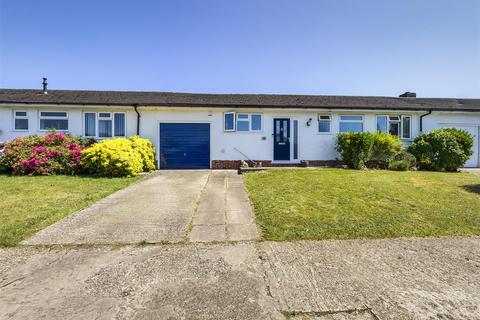 3 bedroom bungalow for sale - Ash Grove, Old Basing, Basingstoke
