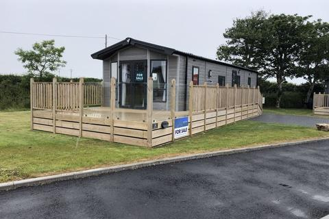3 bedroom detached bungalow for sale - Nearby Hemmick Beach, Boswinger